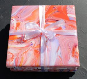 acrylic pour coaster gift by Florence Ancillotti