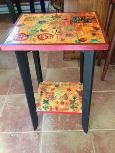 acrylic pour custom table by Florence Ancillotti